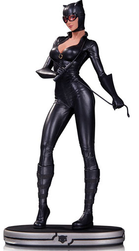 Catwoman-cover-girls-cuir-statue-figurines-edition-limitee-dc-comics