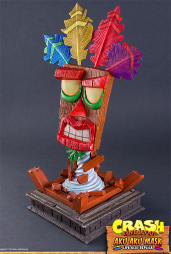 Aku-Aku-Mask-crash-bandicoot-figurine-collector-taille-reele